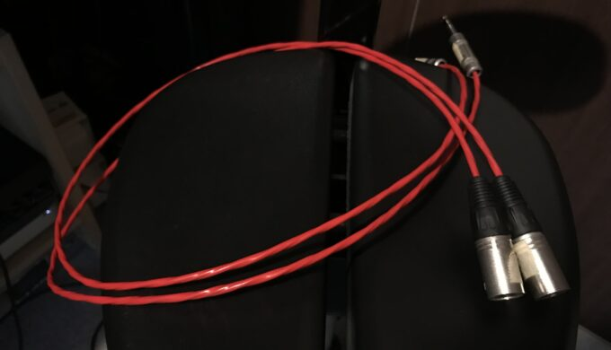 バランスケーブルとアンバランスケーブルの仕組みと使い方の違いについて【解説】