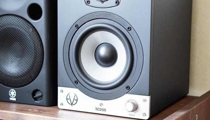 EVE AUDIO SC205モニタースピーカーのレビュー!キレがあるのに優しい音色の理由