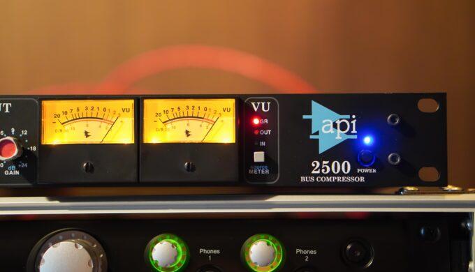 API2500実機とUADプラグインの音を比べてみる実験!